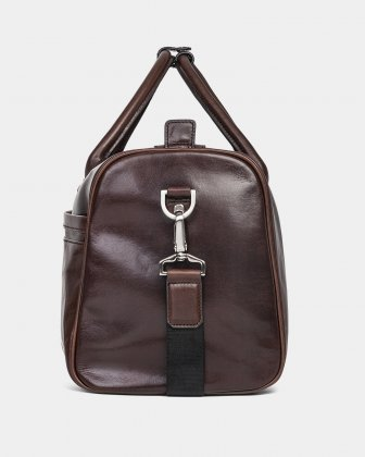 PORTO - WAXED LEATHER DUFFLE BAG WITH PADDED SLEEVE section - BROWN - Bugatti