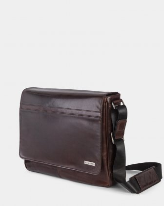 "PORTO - WAXED LEATHER MESSENGER BAG FOR 14"" laptop - BROWN - Bugatti"
