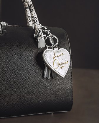 CELINE DION - HEART SHAPED KEY CHAIN - SILVER Céline Dion